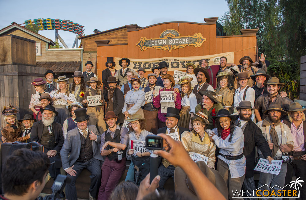 At the end of the day, all of the Ghost Town Alive actors gather for a massive group photo.