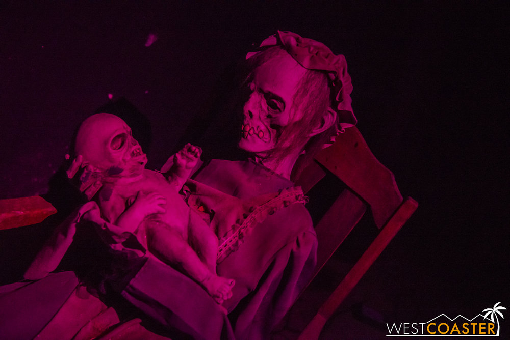 DarkHarbor-17_1009-02-Lullaby-0020.jpg