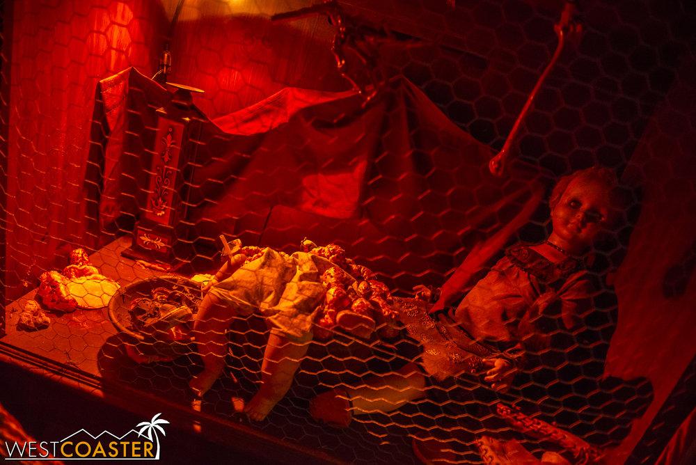 DarkHarbor-17_1009-07-Circus-0010.jpg