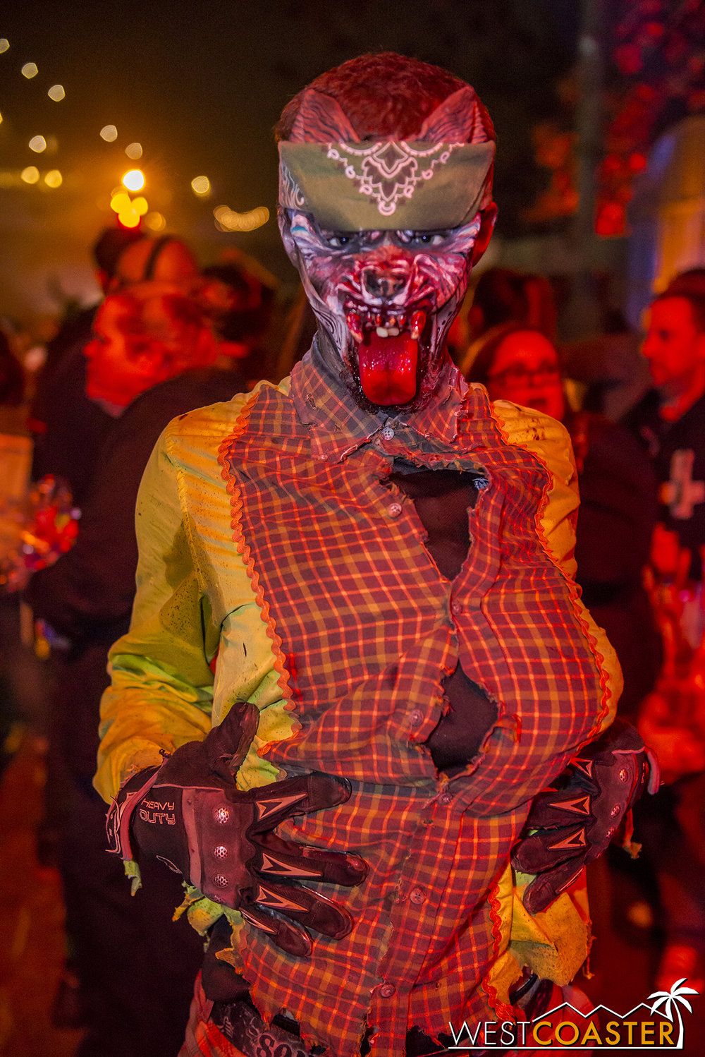 DarkHarbor-17_1106-A-Monsters-0018.jpg