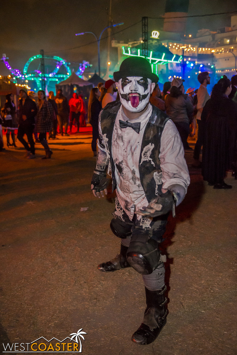 DarkHarbor-17_1106-A-Monsters-0019.jpg