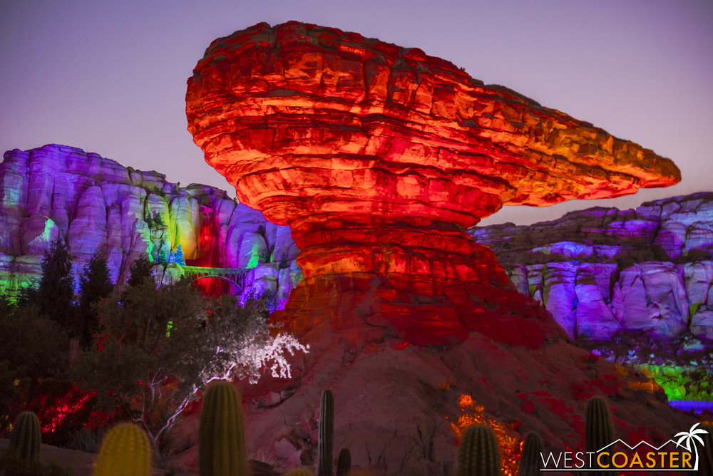 The scenes weren't limited to Radiator Springs. Out in Ornament Valley, the rockwork was spectacular too!