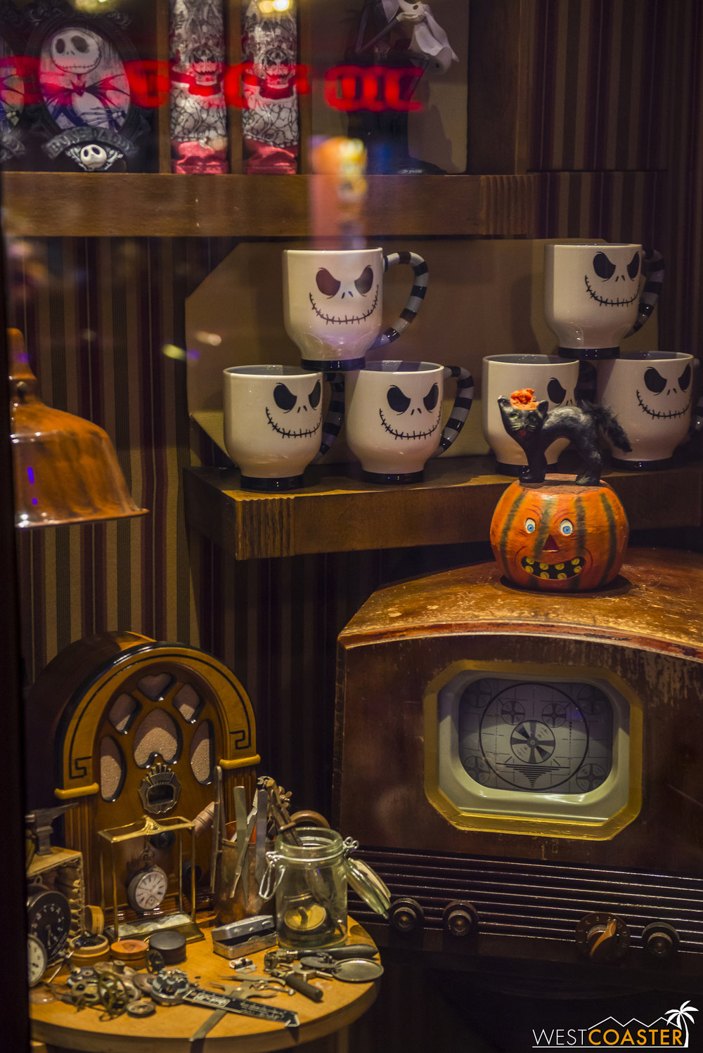 The Buena Vista Street storefronts were also decorated with Halloween displays.