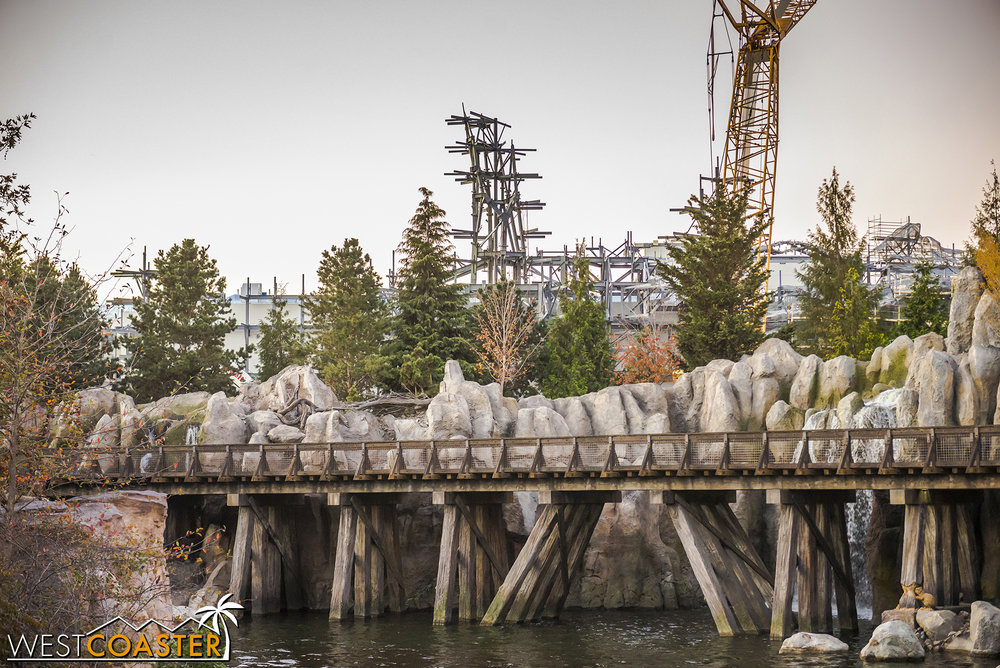 This gives a sense of the forced perspective Star Wars: Galaxy's Edge will provide to the Rivers of America.