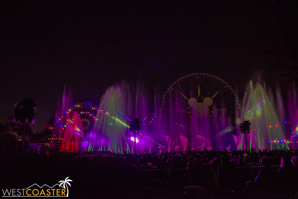 DLR-17_1129-G-WorldOfColor-0010.jpg