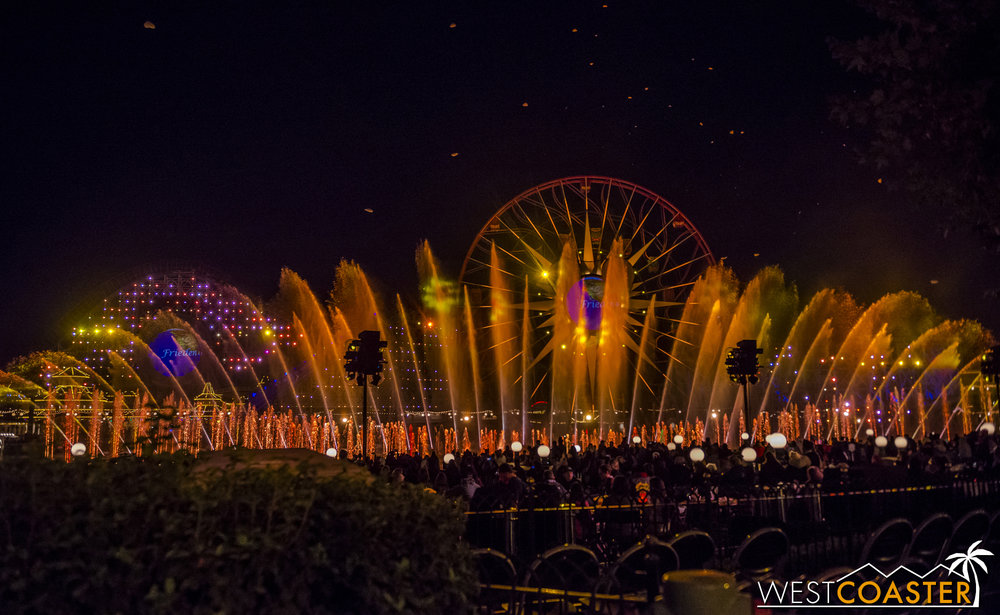 DLR-17_1129-G-WorldOfColor-0028.jpg
