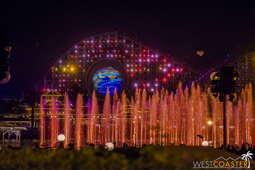 DLR-17_1129-G-WorldOfColor-0030.jpg