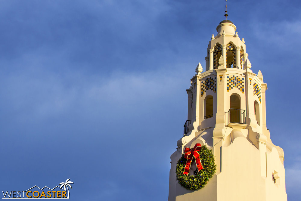 The Carthay Circle Restaurant tower isn't as elaborately themed as during Halloween, but I like the simple elegance of the giant wreath.