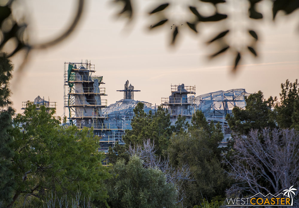 And some more snippets above the trees when looking from Tarzan's Treehouse.