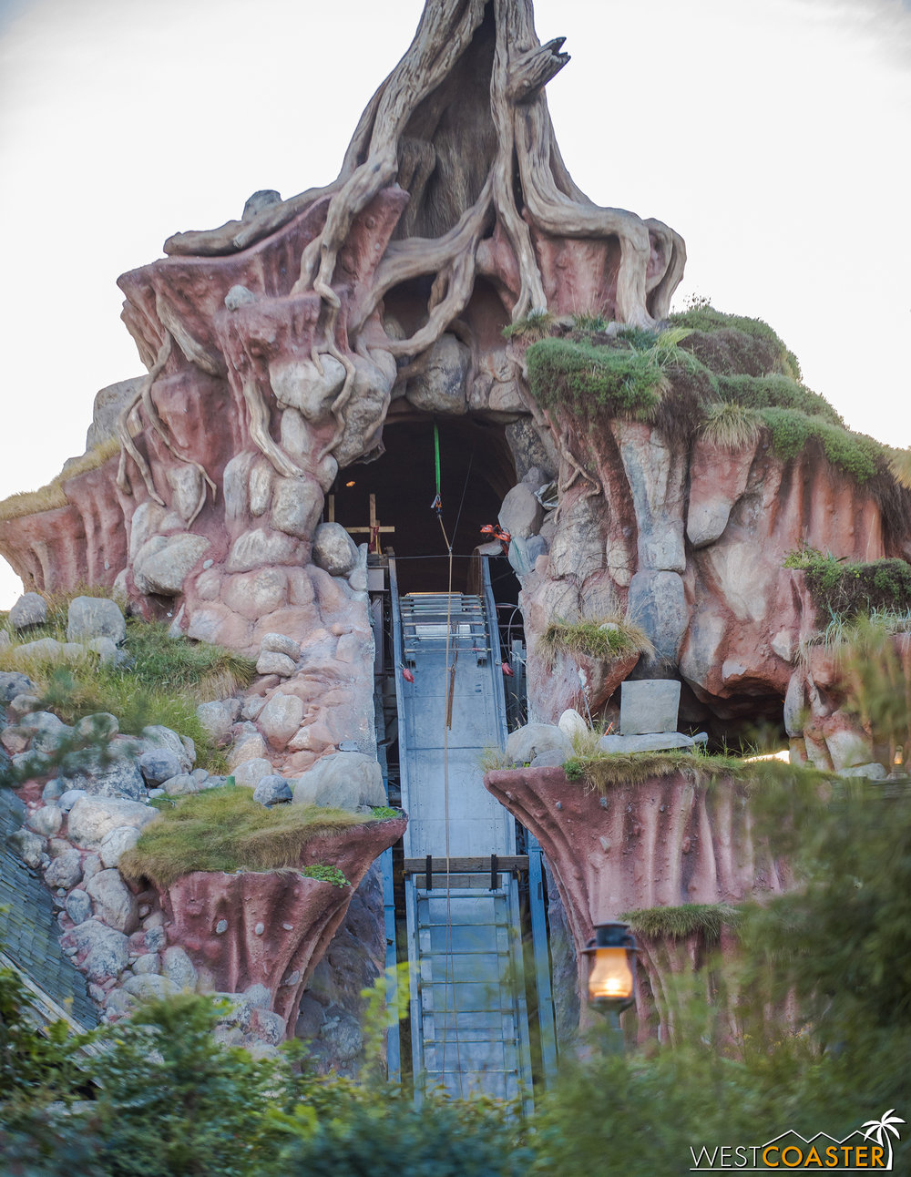 Splash Mountain... still not splashing.  Though at least the actual flume seems to be returning!