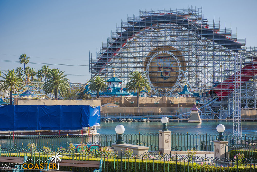 Lets pan across an overview of Paradise Bay...