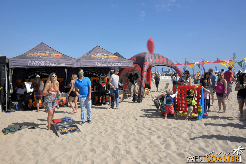 The beach games area coupled with a Lil' Punk Kids Zone made this festival fun for couples, youths, and families.