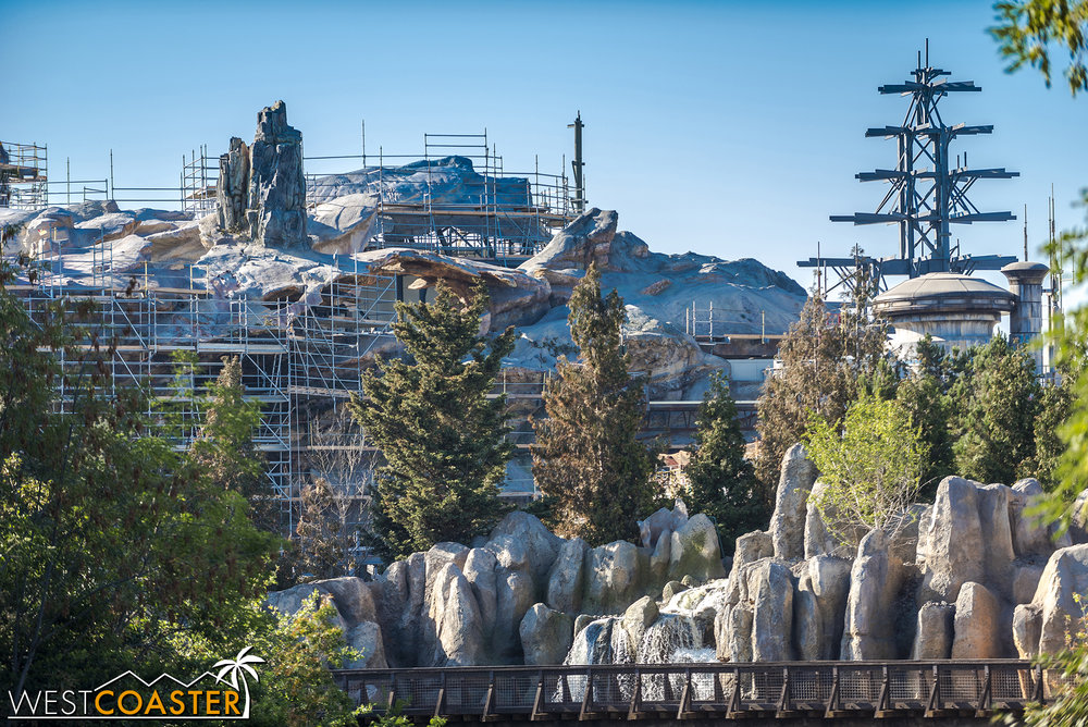 Some of the First Order structures can be seen over the trees, though.  Not sure I quite like that, as it breaks the Frontierland theme.