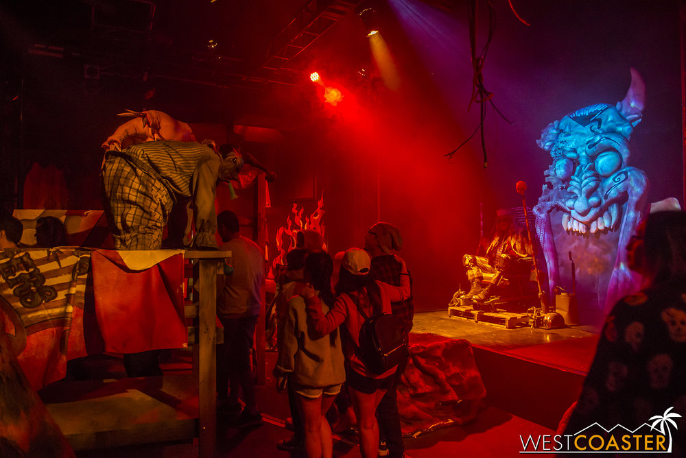 Last year's instant-classic, Dark Ride, returns to Knott's Scary Farm this year!