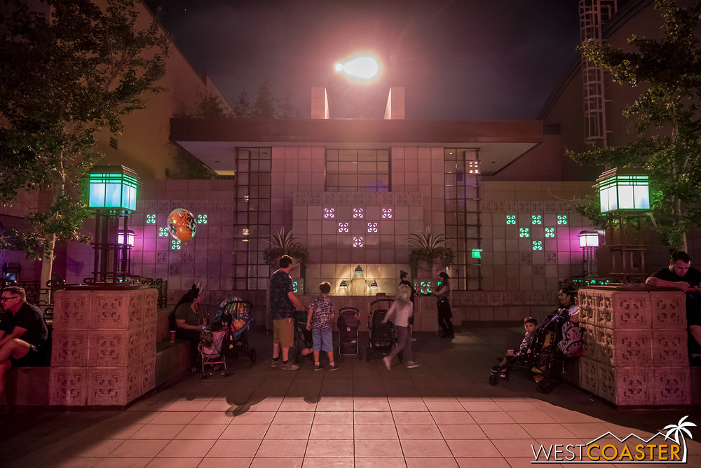A random cool touch… the glass blocks at the Hollywood Land central restroom have been lit with green at night to make them spookier!