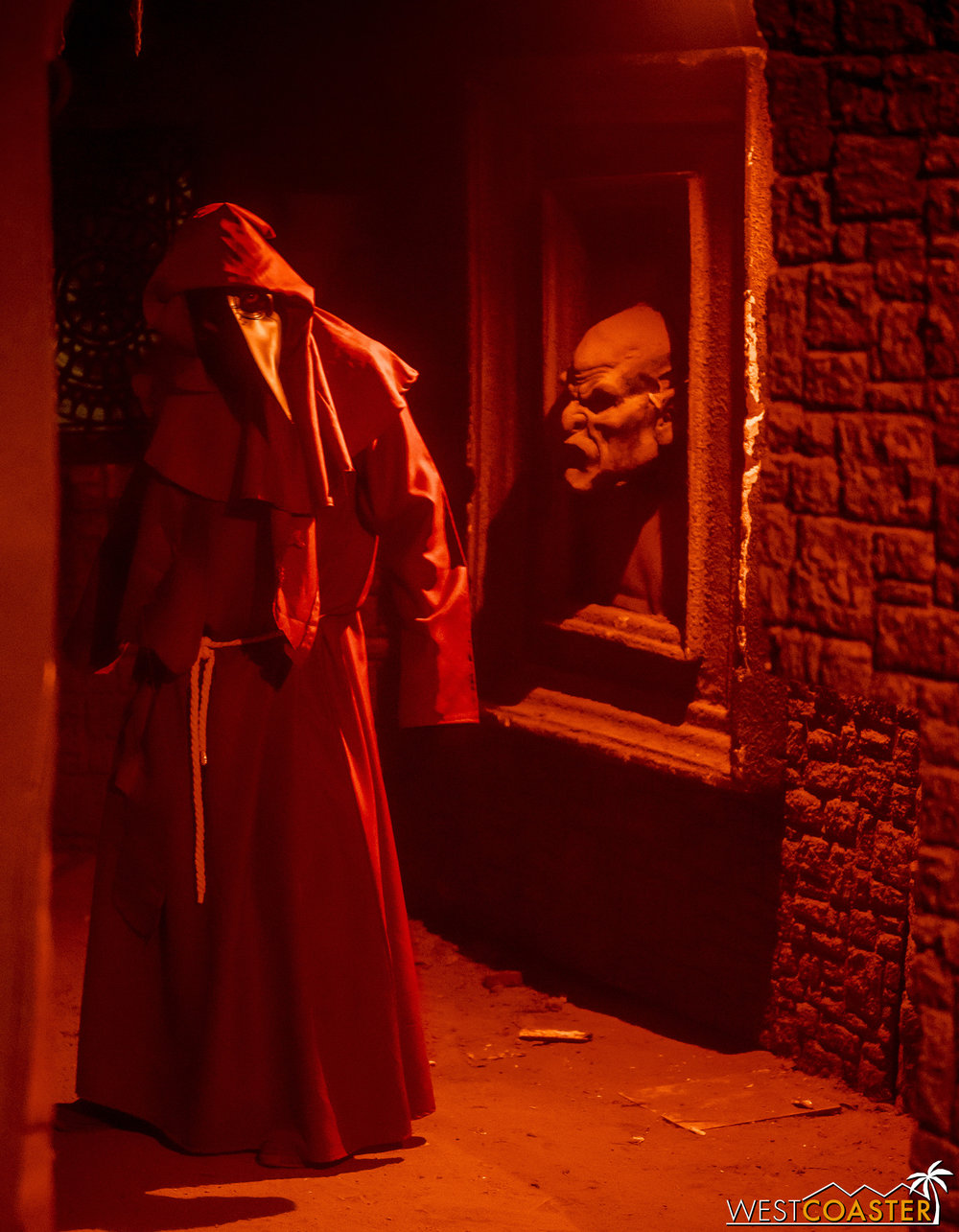 A member of the Raven Cult stalks the corridors of The Catacombs.