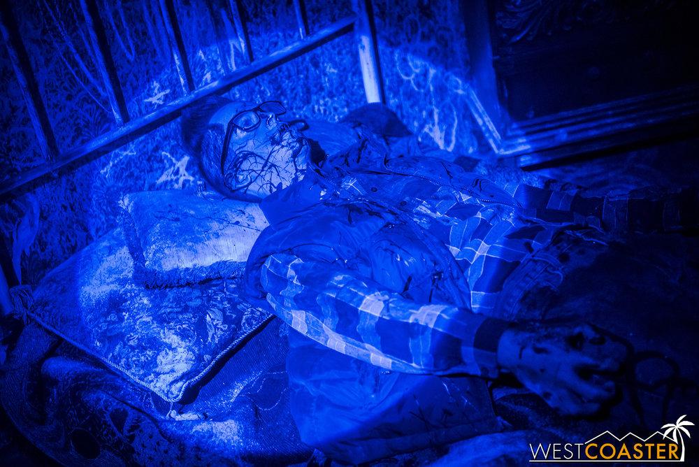 HorrorWorld-18_1017-B-IntoTheBlack-0004.jpg