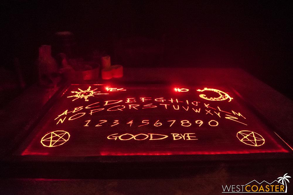 HorrorWorld-18_1017-B-IntoTheBlack-0006.jpg