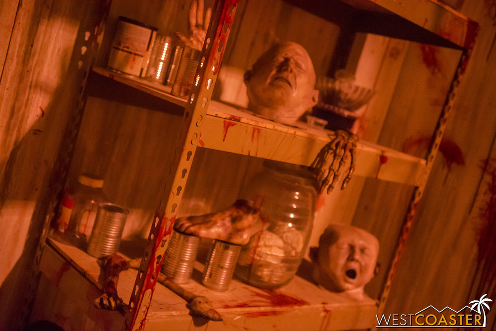 HorrorWorld-18_1017-C-PsychoSanitarium-0010.jpg