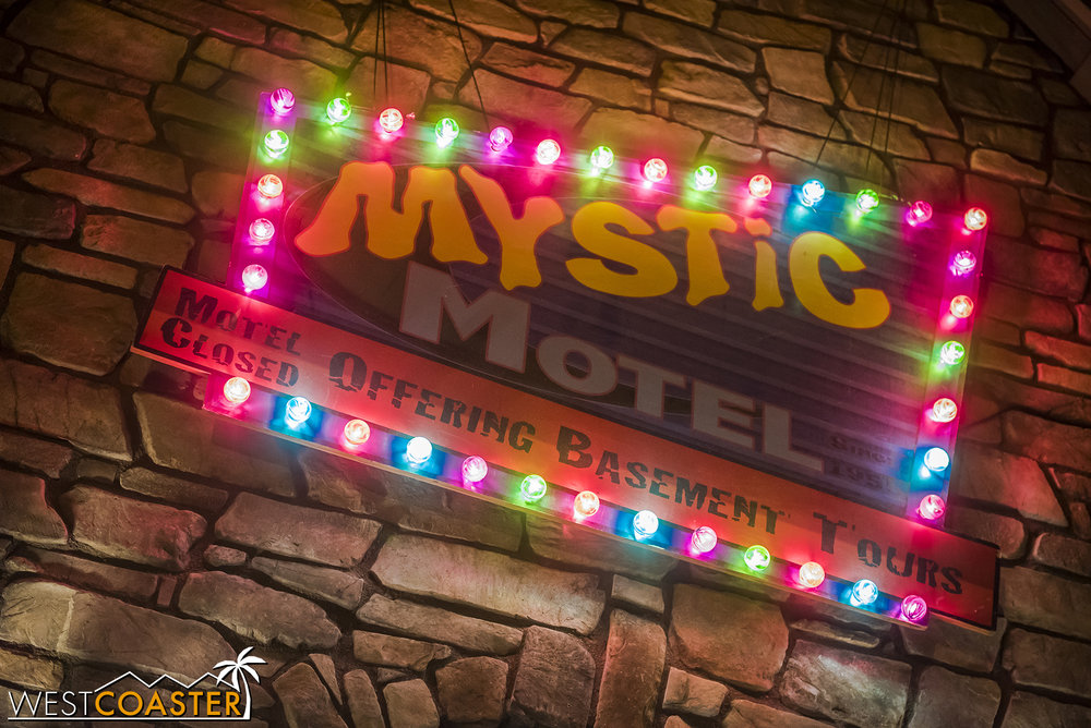 MysticMotel-18_1102-0003.jpg