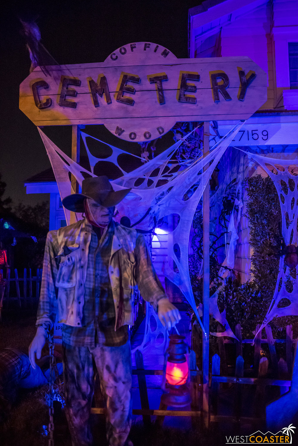 Coffinwood Cemetery is a great-looking haunt well worth a quick stop on a tour of other Santa Clarita haunts!