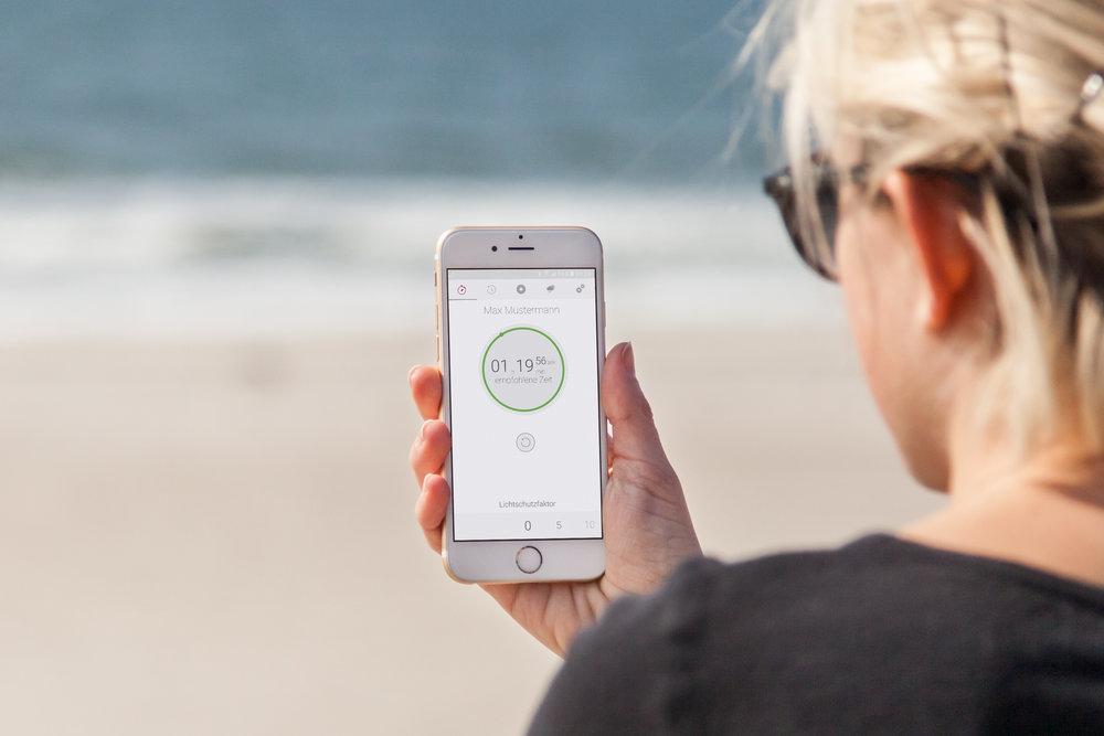 mockDrop_iPhone 6 at the beach(2).jpg