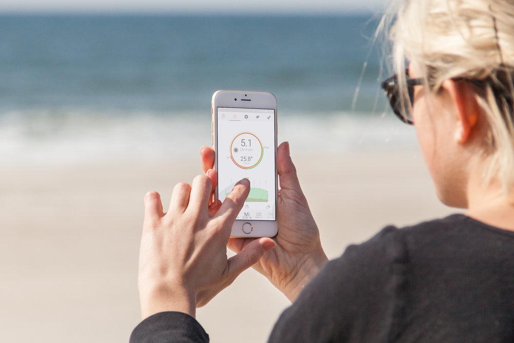 mockDrop_iPhone 6 at the beach(3).jpg