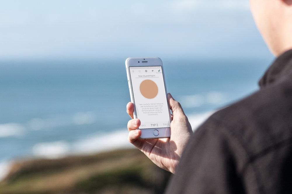 mockDrop_iPhone 6 at the beach(5).jpg
