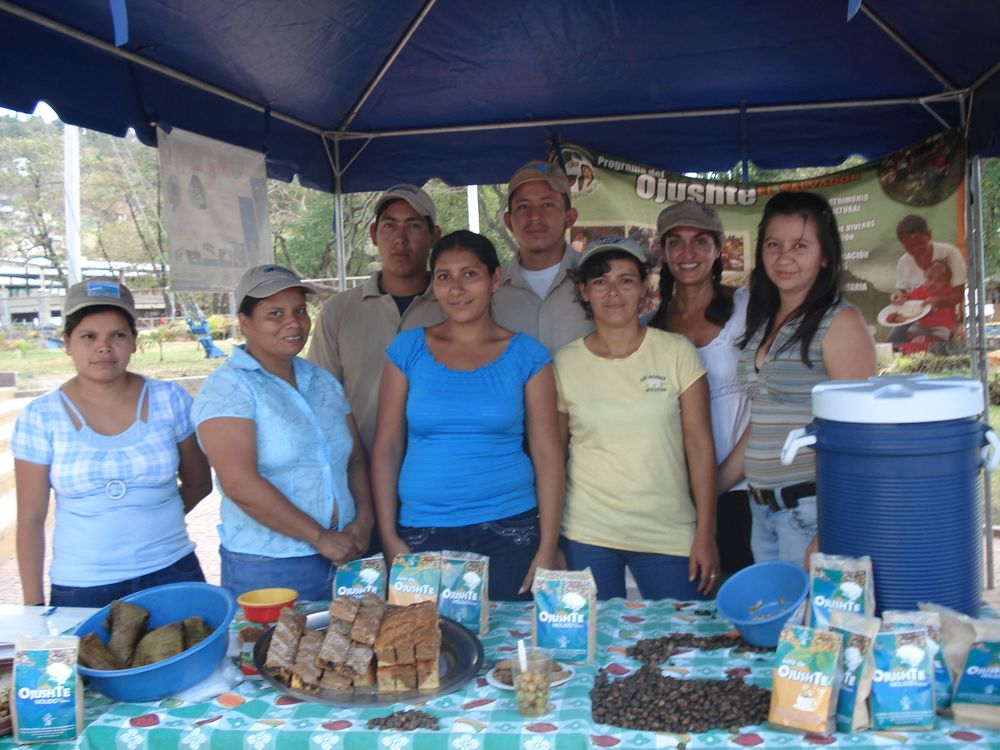 Erika and Maya producers and products in El Salvador