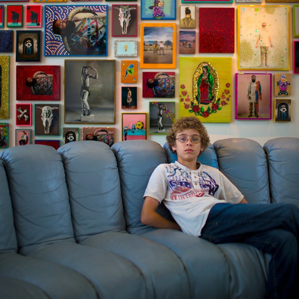 downtown-bentonville-arkansas-21C-hotel-tween-photo-session-young-artist-sunny-skaggs-photography