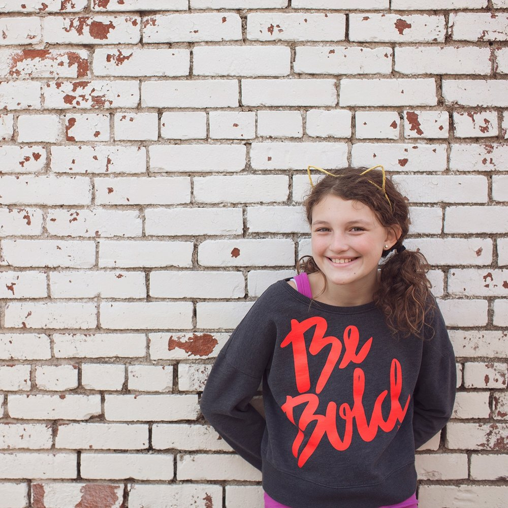 downtown-rogers-arkansas-tween-photo-session-be-bold-sunny-skaggs-photography