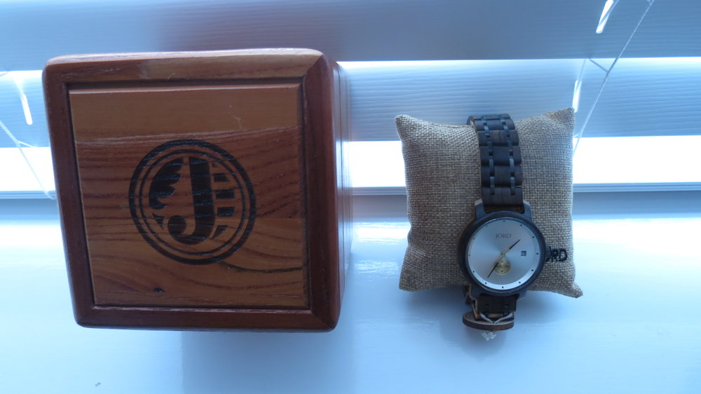 unique male wood watch.JPG