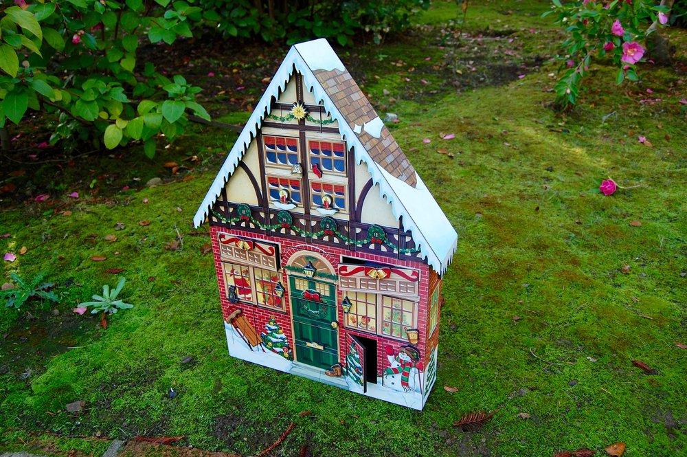 Byer's Choice Christmas House Advent Calendar