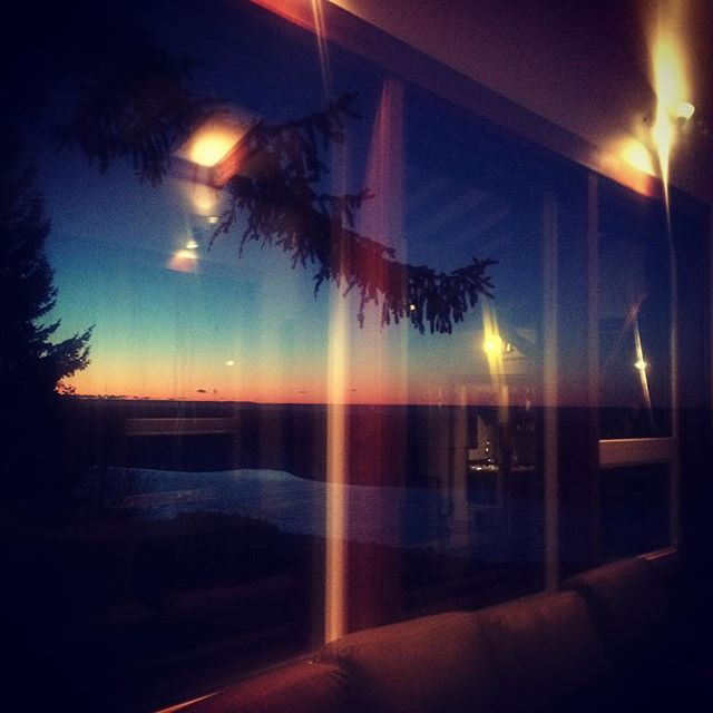The inspiration of a winter sunset. #cozybythefire #spiritlifting #promiseoftomorrow #highwaterhousemagic
