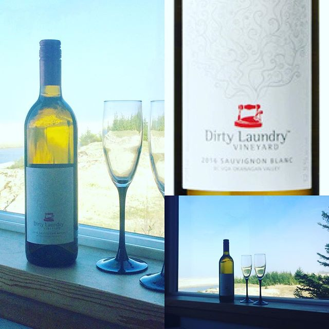 Wine Wednesday is here again! Highwater House and Haida Wild Seafoods is proud to pair with this week with Dirty Laundry Vineyard's 2016 Sauvignon Blanc.❤️ Absolutely superlative. #winewednesday #whitewinepairing #summeriscoming #longafternoons #beachlife #hotdaycrispwine #smokedsalmon