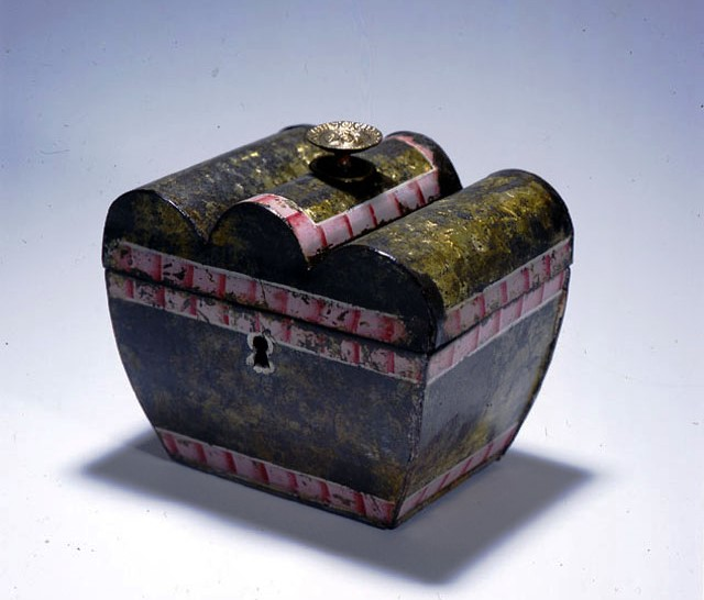 1958.0003 Tea Caddy. Gift of Children of Col. George Woodward Langdon.