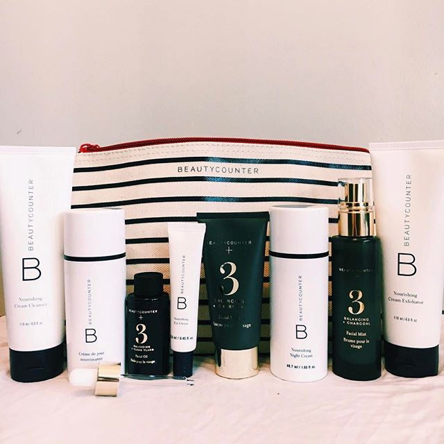 It's been quite the week and now we are ready to do a little @beautycounter pampering and crawl in bed! Go to http://beautycounter.com/rosiegoldwasser to see the promos happening in April! Oh and ps. their branding is on point! 👌🏻