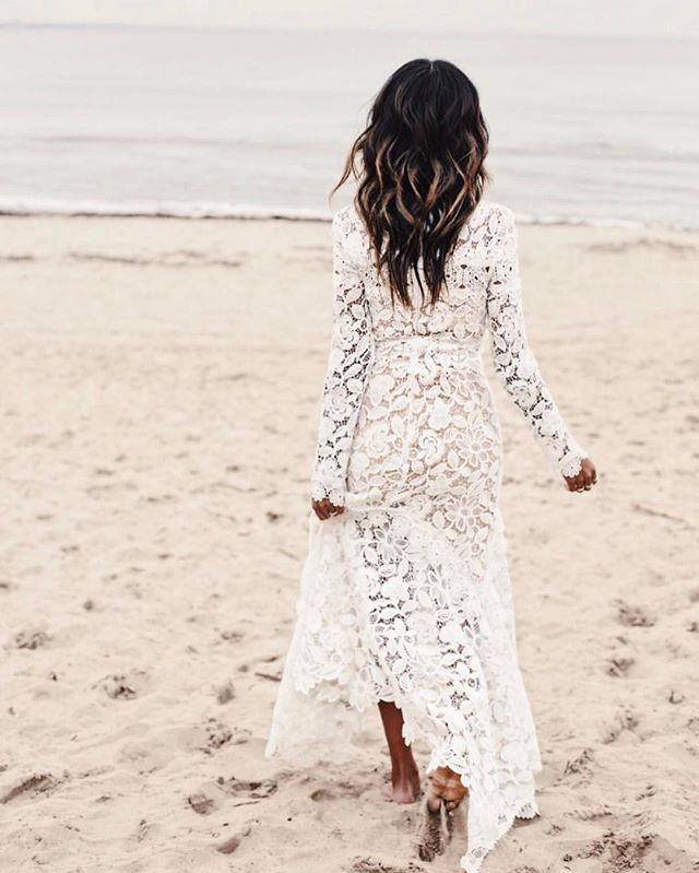 It's a beach day in LA! Happy Saturday friends! #Regram @sincerelyjules