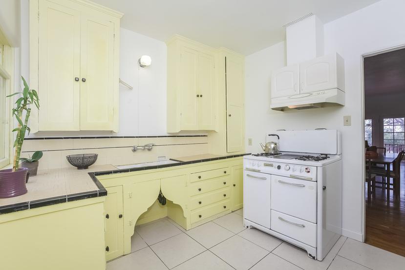 010-Kitchen-4517254-small.jpg