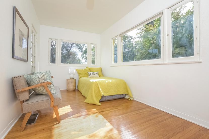 019-Bedroom-4517251-small.jpg