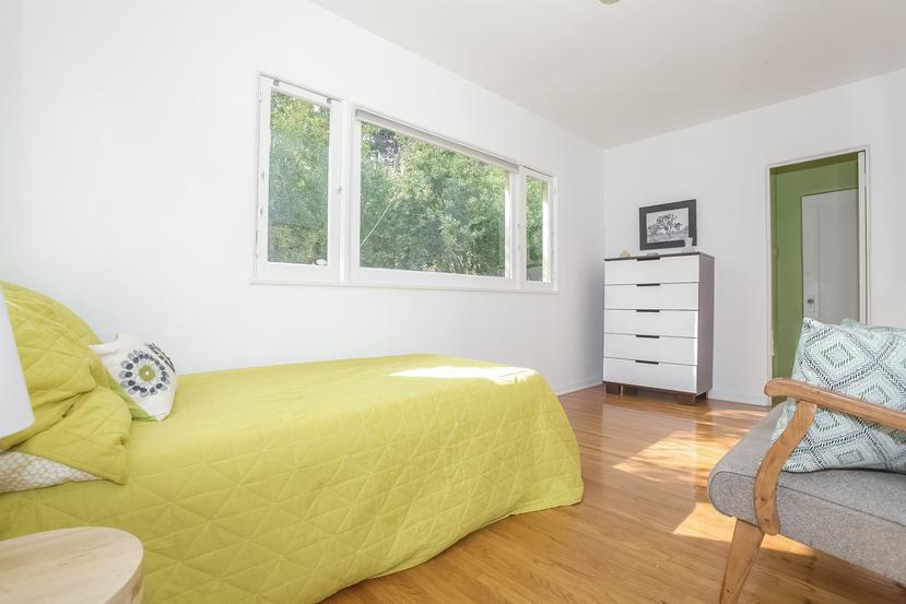 020-Bedroom-4517257-small.jpg