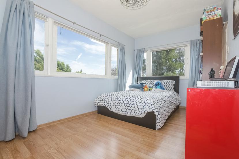 026-Bedroom-4517230-small.jpg