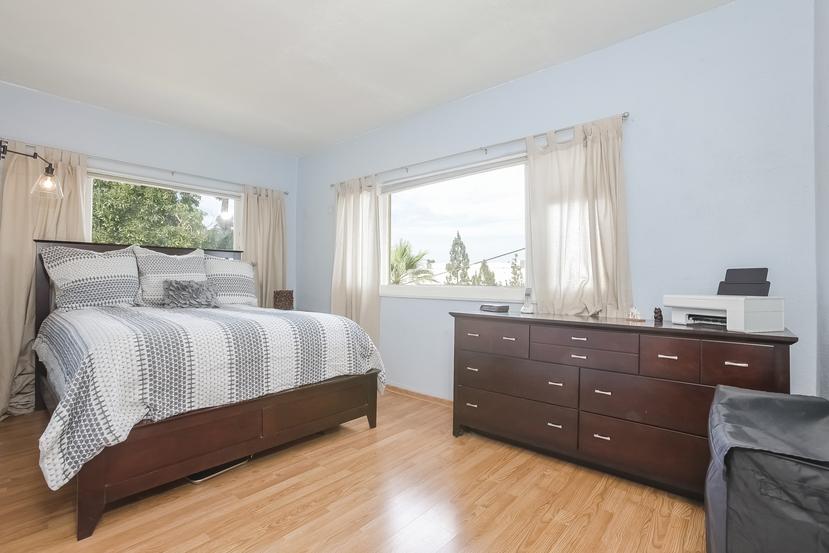 028-Bedroom-4517229-small.jpg