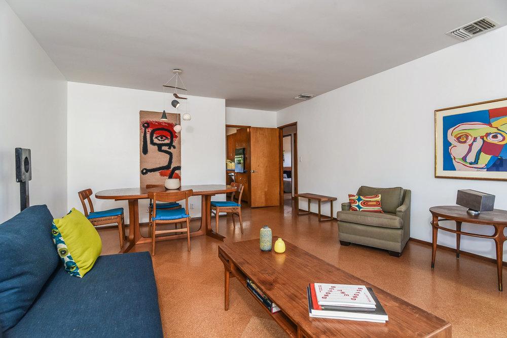 013-Living_Room-5027996-medium.jpg