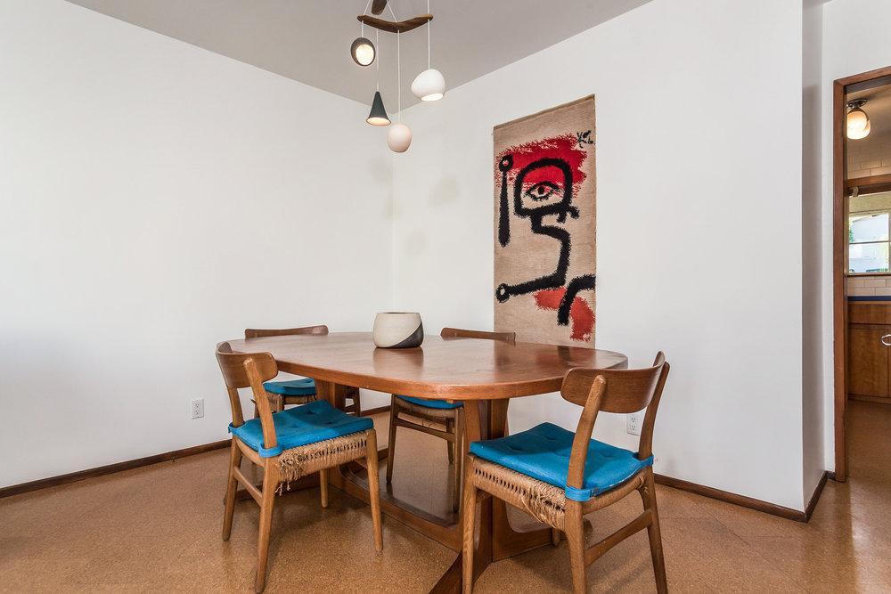 015-Dining_Room-5028015-medium.jpg