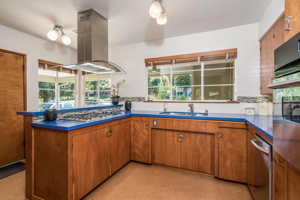017-Kitchen-5028013-medium.jpg