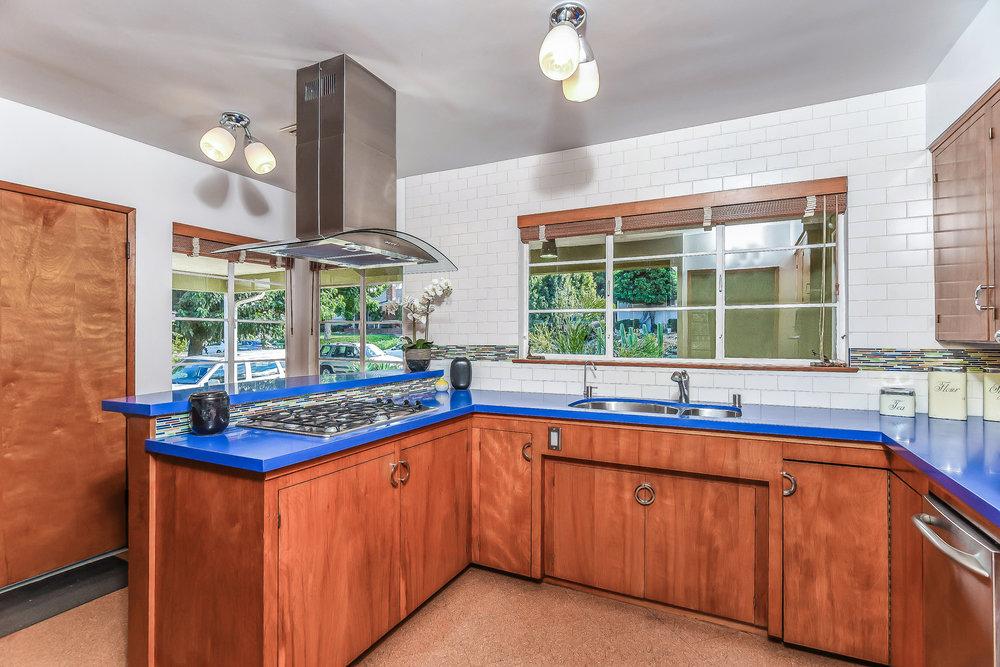 016-Kitchen-5032593-medium.jpg