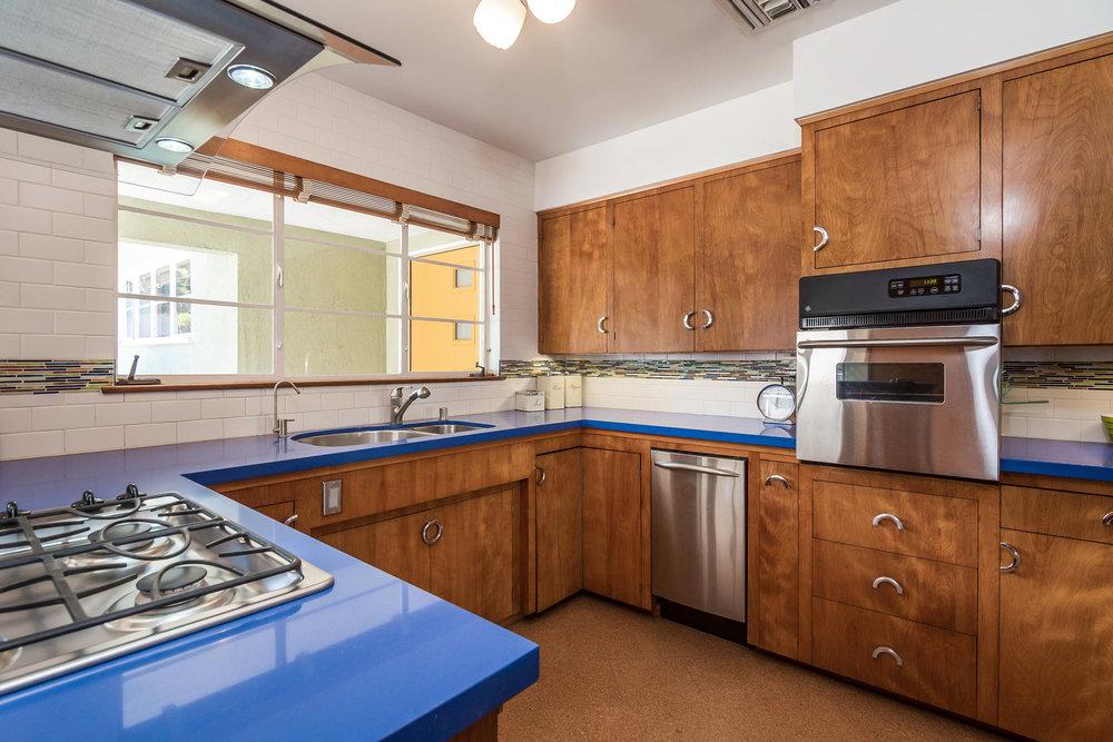019-Kitchen-5028012-medium.jpg
