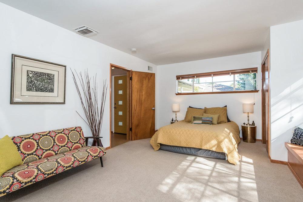 021-Master_Bedroom-5028023-medium.jpg