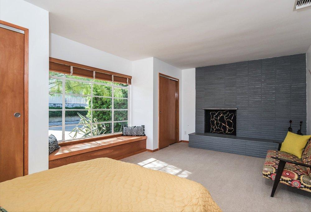 024-Master_Bedroom-5038325-medium.jpg